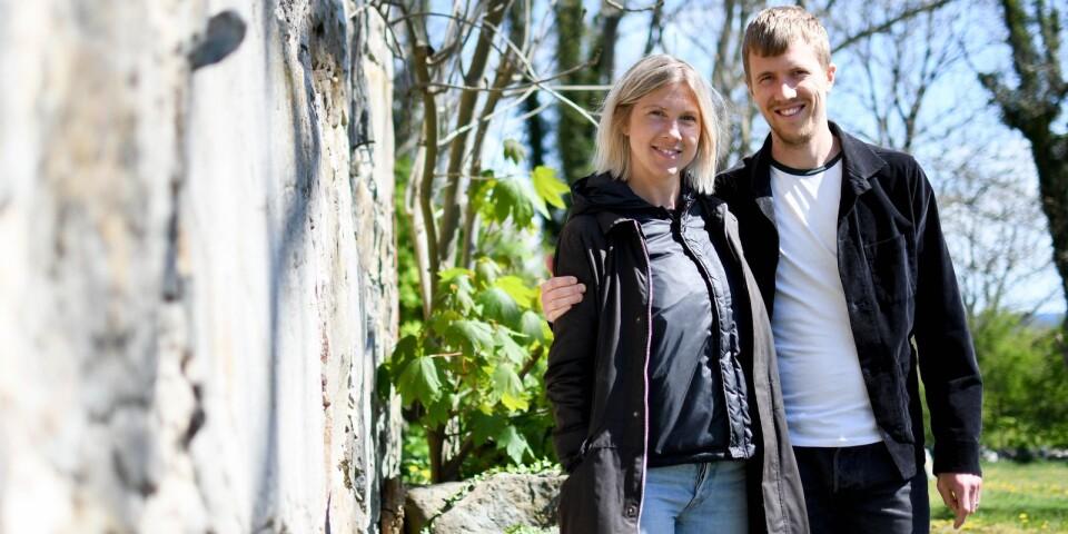 Tove och CarlJohan Wåhlin är årets föreningsledarstipendiater. Stipendiet får de för sitt stora engagemang i Scen Österlen, teaterföreningen som har gjort plats på scen för fler än tusen teaterintresserade barn och ungdomar sedan starten 1999.