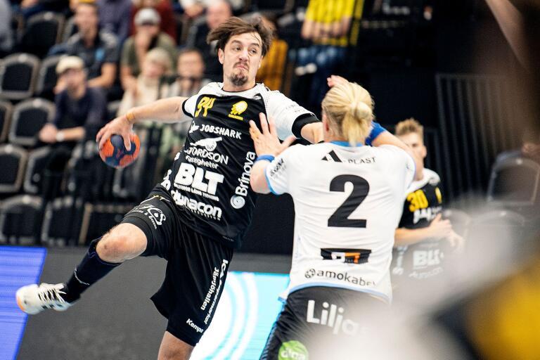 Tobias Nordahl laddar bössan och är redo för skott. Kan HIF Karlskrona ta första segern i bortamötet med Lindesberg?