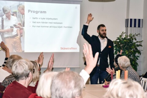 """Skånetrafikens träffar om nya biljettsystemet: """"Drog vi till och med mer folk än Mikael Wiehe"""""""