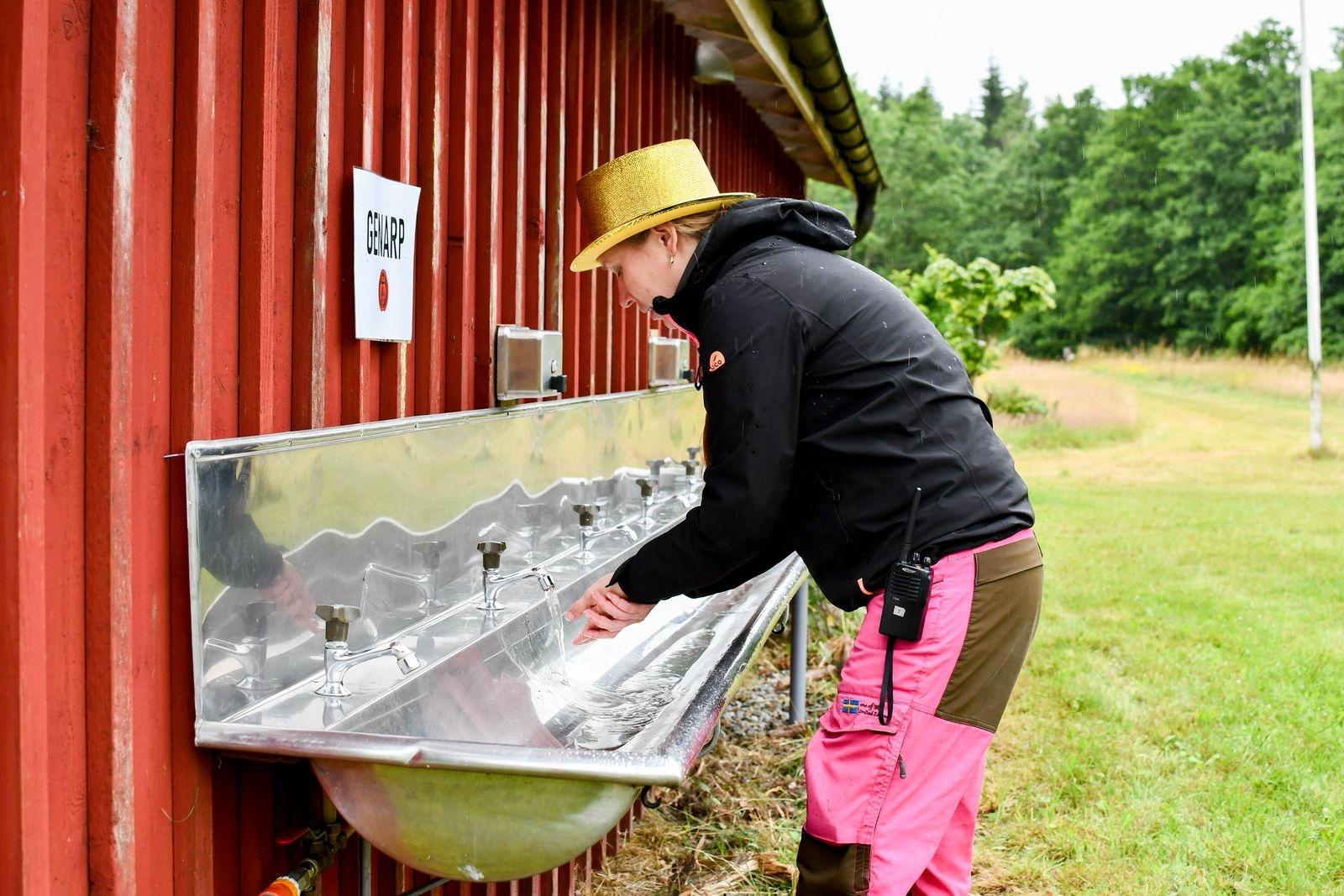 Alla mötesplatser har byggts bort. Varje kår har på årets läger tilldelats egna toaletter och vattenposter.