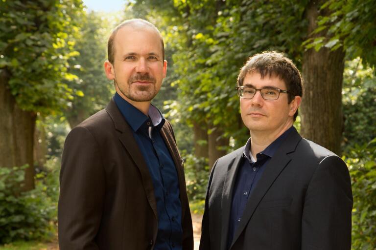 Författarna Rüdiger Barth och Hauke Friederichs har skrivit en dag-för-dag-skildring av Weimarrepublikens undergång.