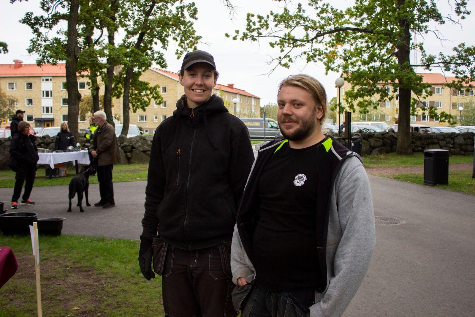 Maria Alfredsson och Kristoffer Svensson jobbar som kyrkogårdsarbetare och har hjälpt till att anordna mässan. Mässor hör inte till de vanliga arbetsuppgifterna, så de tyckte det var kul att testa något nytt.