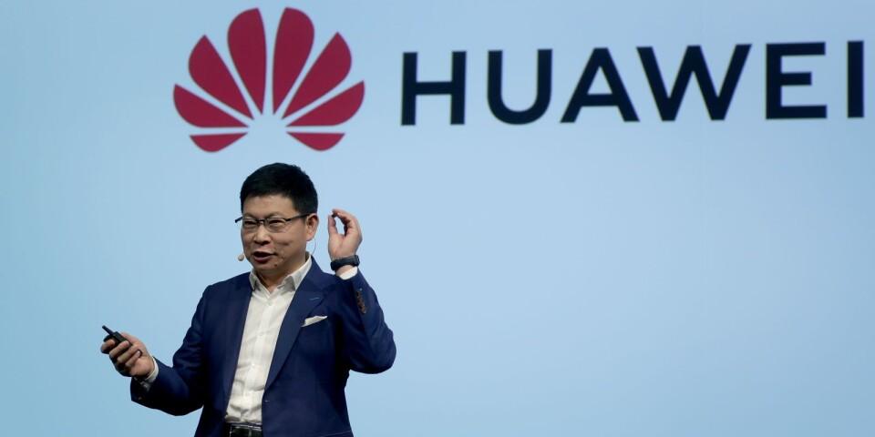 Här presenterar Huawei ett 5G-chip som de menar kan revolutionera mobilnäten. Men till vilket pris?