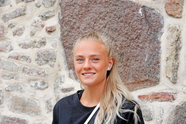 Tillsammans med klubbkamraten Omar Ismail så representerar Högbys Lovisa Karlsson Sverige i Nordiska Juniorkampen.