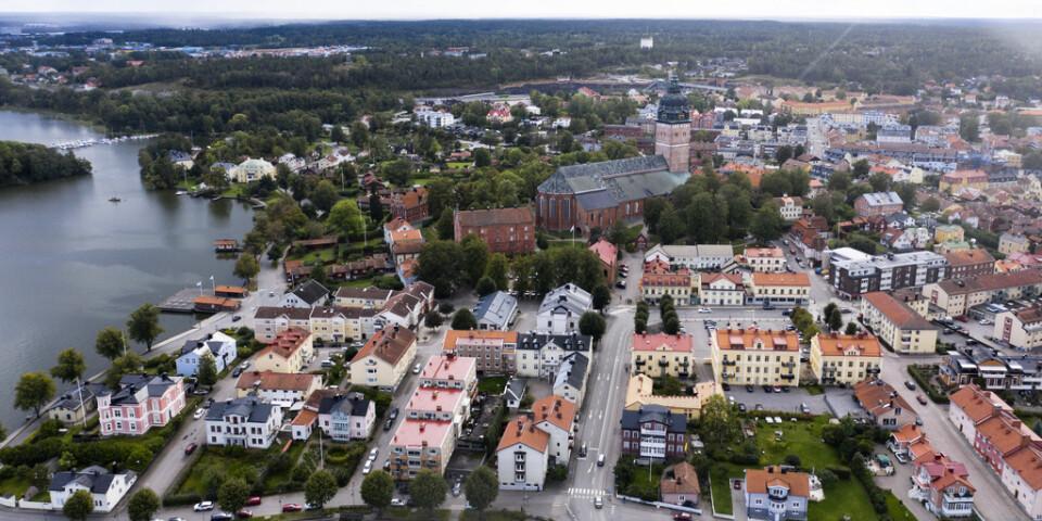 Offren lurades till Strängnäs i Södermanland i tron att de skulle på dejt. I stället blev de rånade eller frihetsberövade. Arkivbild.