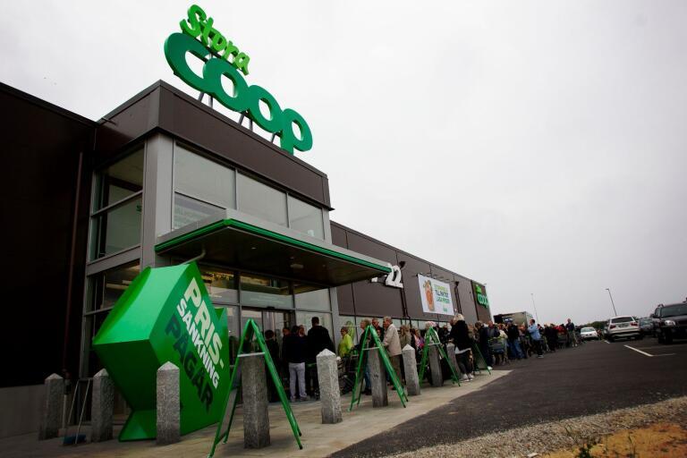 Det var kö till Stora Coops öppning på torsdagsförmiddagen.