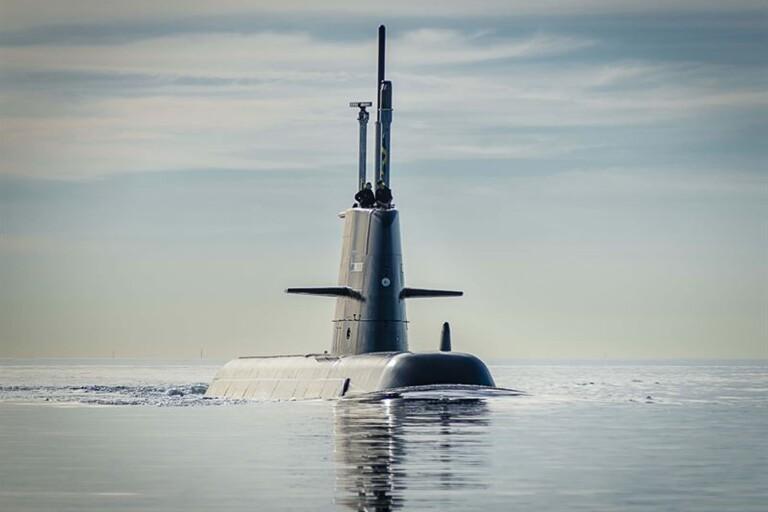 Efterlängtad men kraftigt försenad ubåt