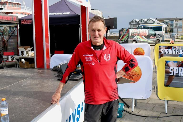 Kyrkstafetten firade 40 år, Carl-Gustaf Nilsson har varit med samtliga år, både som arrangör och löpare.
