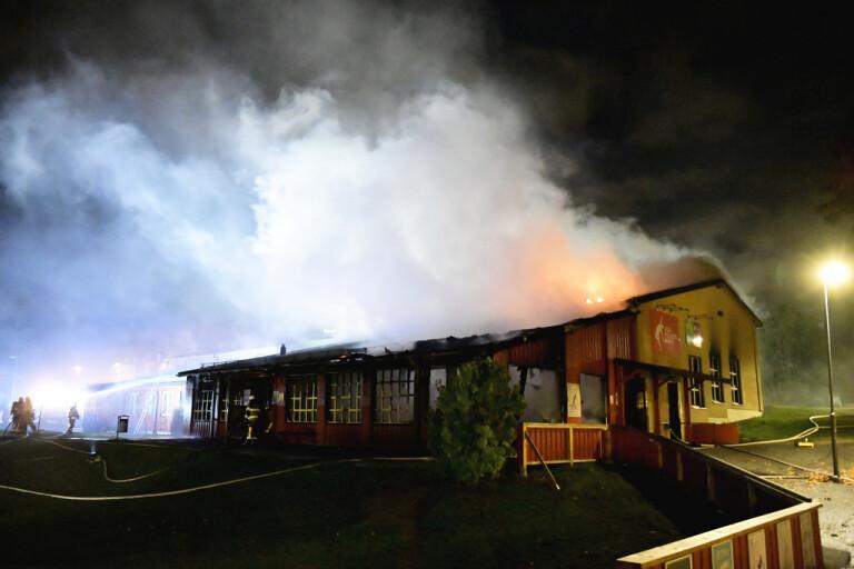 Folkets hus-branden går inte att släcka