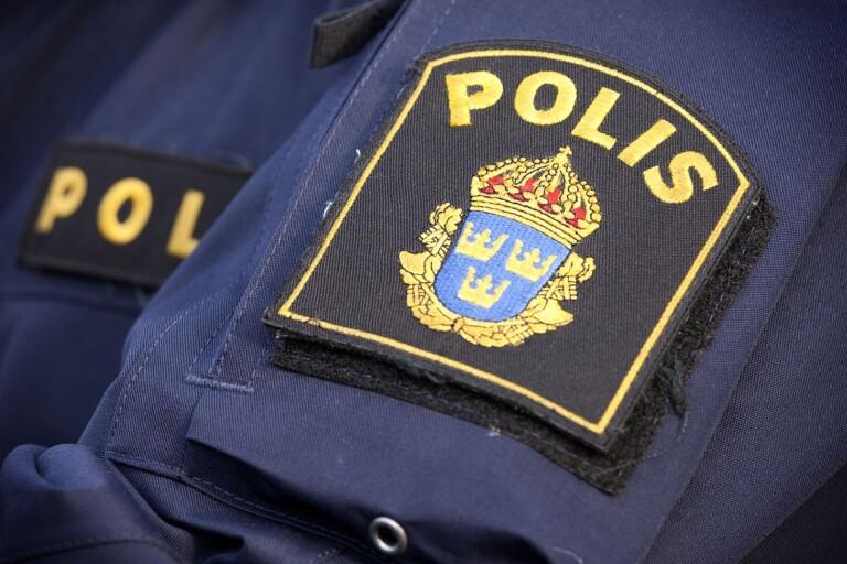 Blåljus: Polis larmades om skjutvapen vid järnvägsstationen