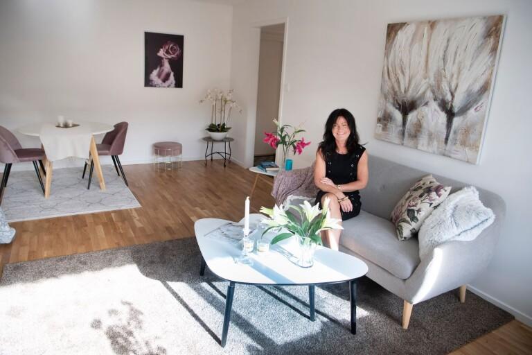 Victoria Wielgaard driver Avanti design och har utbildning inom både homestyling och interior design. Mera besöker henne i en lägenhet som hon har stajlat.