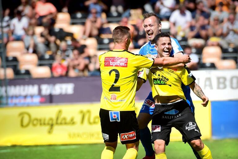 Mjällby AIF bjuder alla fotbollsungdomar upp till 18 år på gratis entré till säsongens sista hemmamatch.