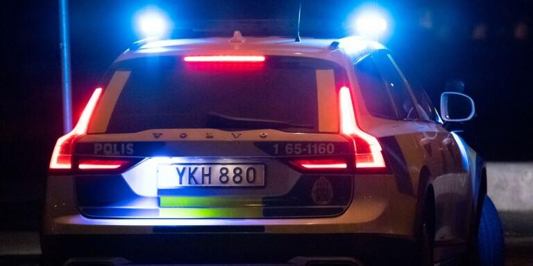 Konfronterade gäng som kastat sten på bilen – blev misshandlade