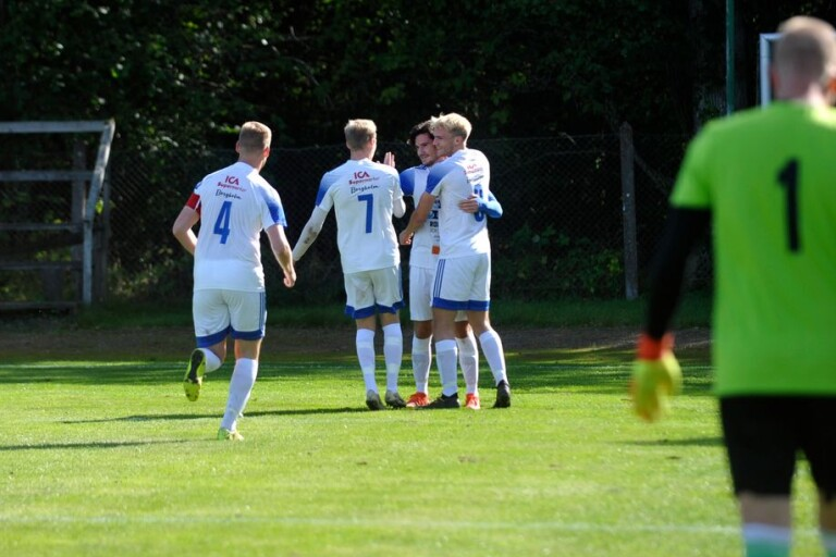 Hattrickhjälte i derbykrossen – IFK fixade nytt kontrakt