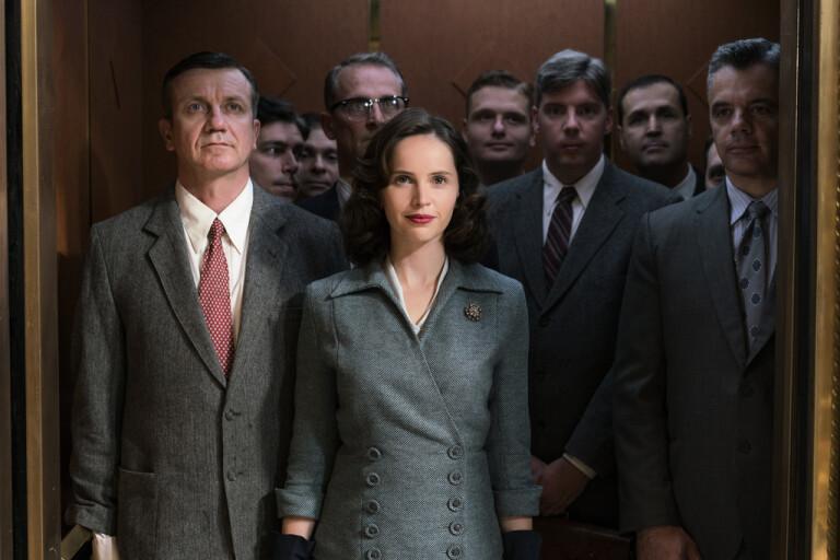 """Felicity Jones gestaltade Ruth Bader Ginsburg i filmen """"En kvinna bland män"""" (""""On the basis of sex"""") från 2018."""