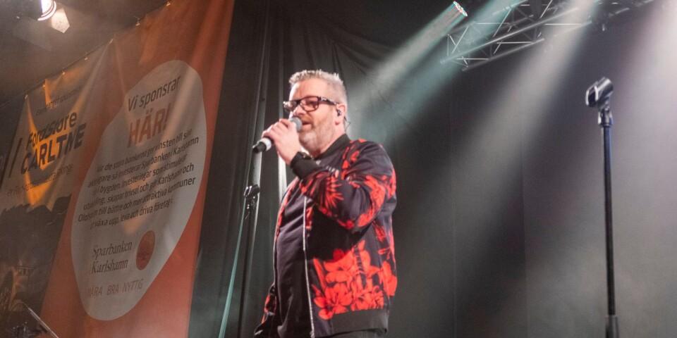 Micke Syd Andersson drog igång musikunderhållningen.