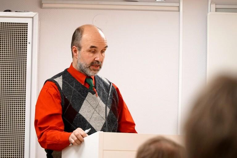 Robert Klerfors (V).