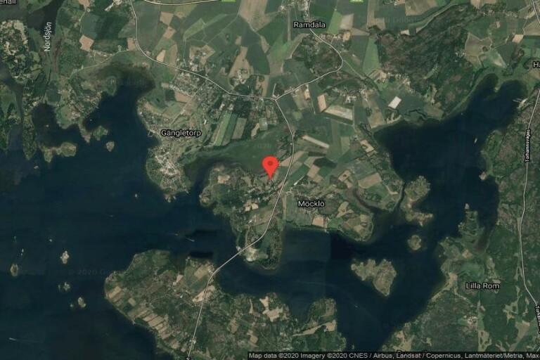 Fastigheten på postadress Västra Möcklövägen 13 i Senoren har bytt ägare