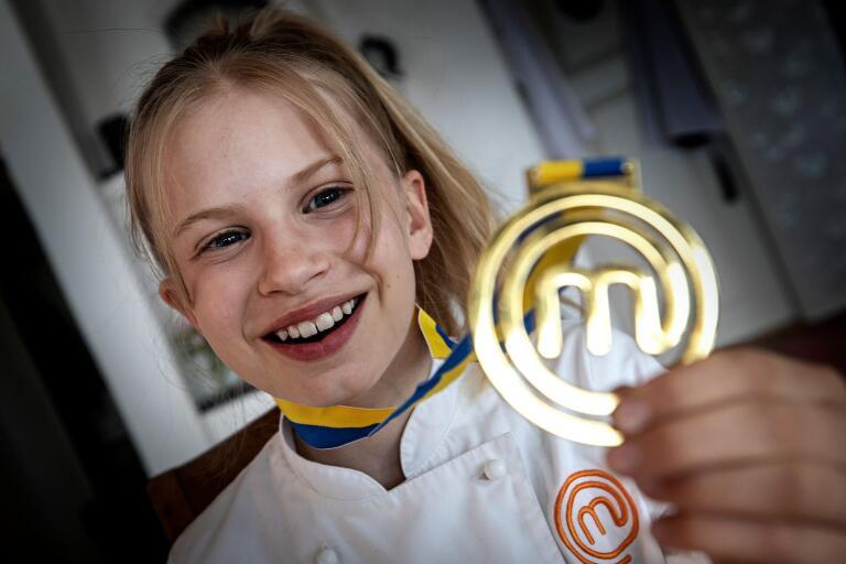 SUPERSUCCÉN: Agnes, 10, från Sjömarken Sveriges yngsta mästerkock – någonsin