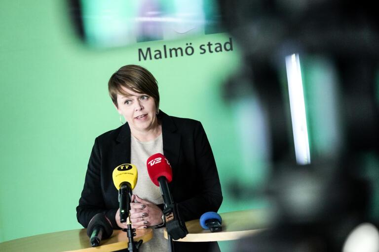 Katrin Stjernfeldt Jammeh, kommunstyrelsens ordförande och finanskommunalråd i Malmö, kommenterar danskarnas besked om gränsen på en pressträff under fredagen.