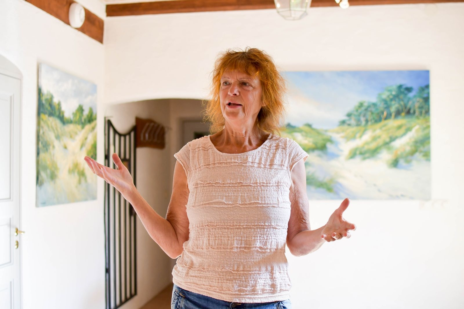 """""""Havet och stränderna på Österlen är en ständig källa till inspiration för mig"""" säger Kathrin Bernekorn. Kathrin fick publikens pris i samband med förra årets hÖsterlensalong."""