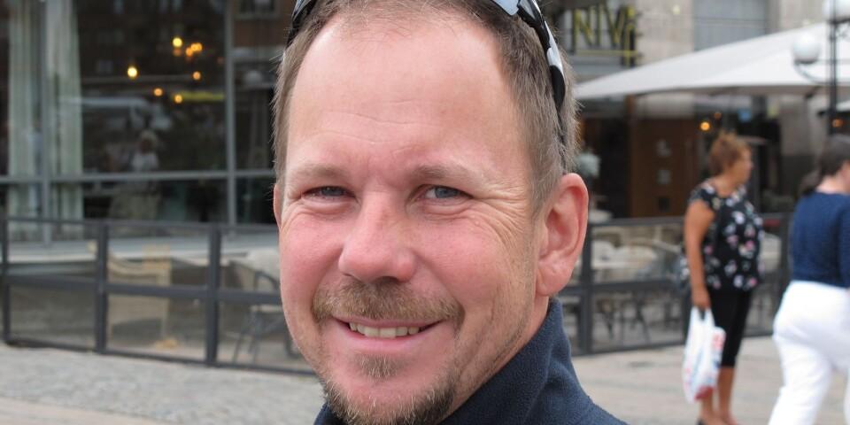 Jim Hallström, 45, år, Fäjö:  – Jag tror det har en funktion, framförallt med tanke på den äldre generationen.
