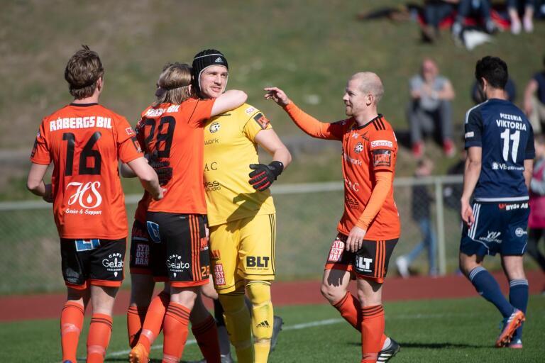 Sebastian Halle både höll nollan och blev målskytt i sin 250:e match för Karlskrona.