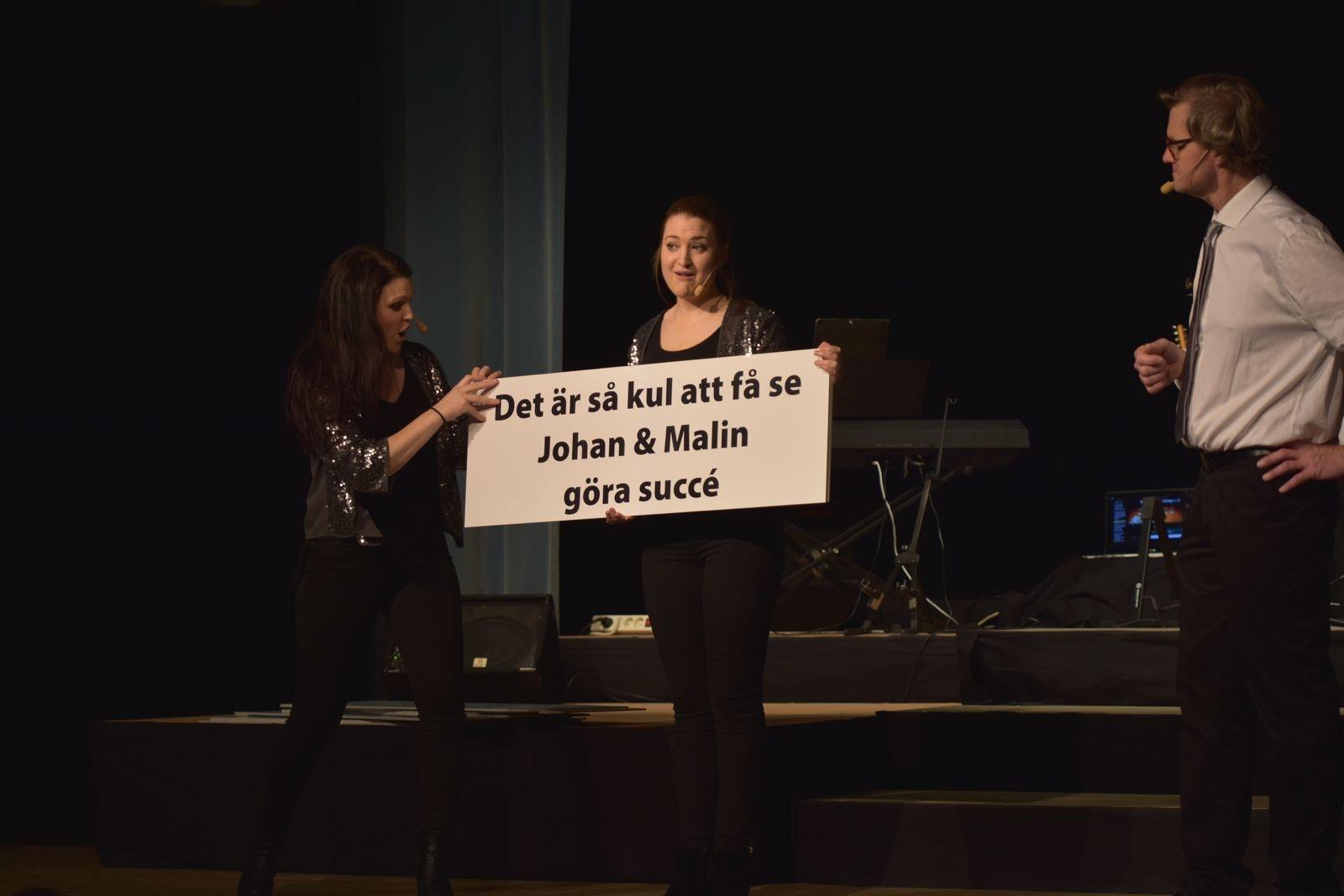 Publiken fick uppleva en ny och original variant av allsång.