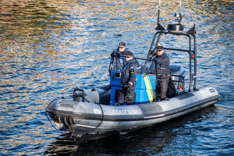 Starten har precis gŒtt i gŠddfisketŠvlingen Sportfish Masters i Karlskrona fisketŠvling. Kustbevakningen bevakade KBV