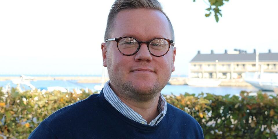 """""""Endast en fjärdedel av medarbetarna känner stor stolthet att jobba i Kalmar län"""", skriver Carl Dahlin."""