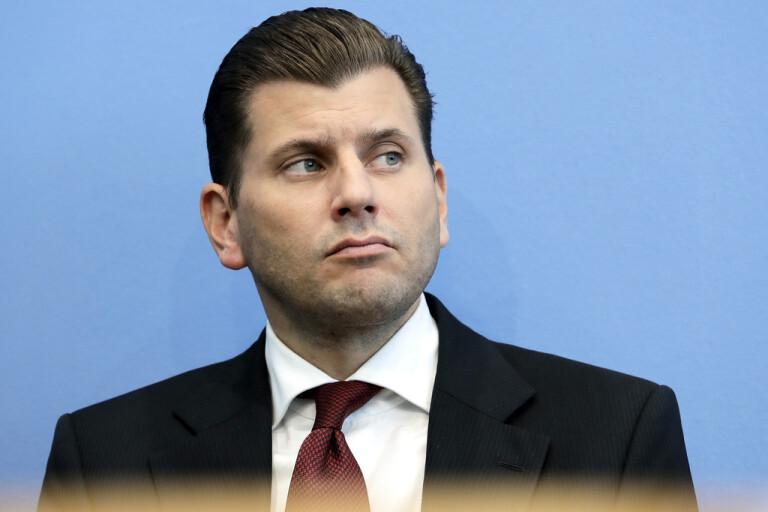 Christian Lüth, tidigare högerextrema partiet AFD:s talesperson, har fått sparken från partiet sedan han sagt att migranter kan komma att skjutas eller gasas ihjäl. Arkivbild.