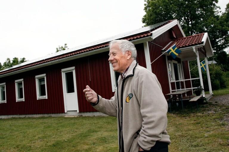 Tärbyborna laddar för att inviga sitt solbatteri