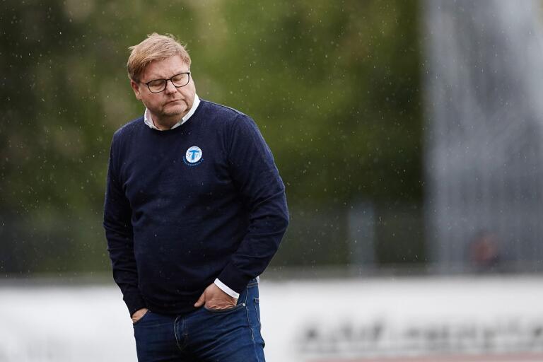 Senaste förlusten blev droppen för hårdsatsande Trelleborgs FF. Peter Swärdh får lämna sitt uppdrag.