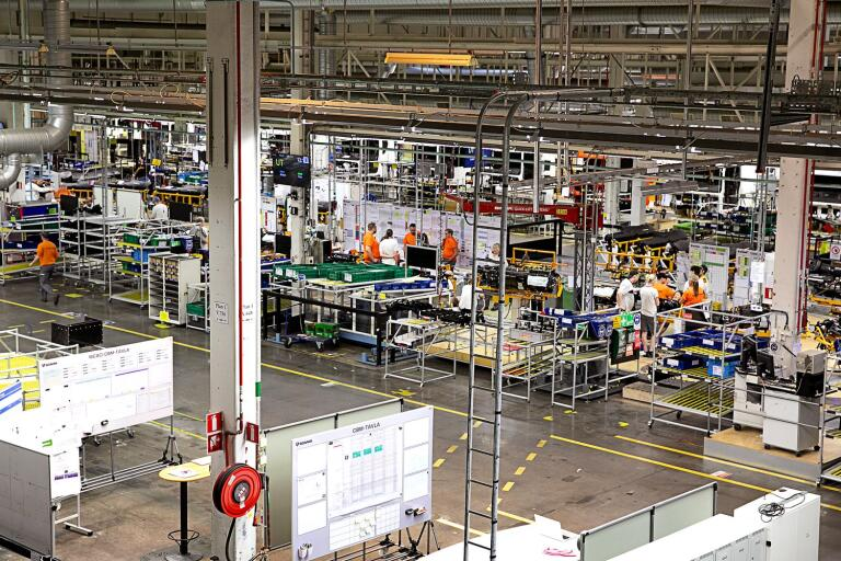 Det är ovisst när Scania återupptar produktionen.