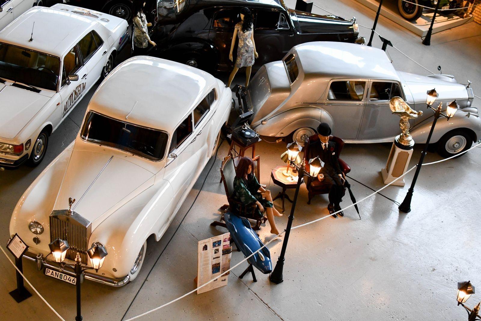 Kan man få för många Rolls-Royce? Inte enligt Nisse Nilsson som äger flest i Sverige - 13 stycken, som alla finns att se på Autoseum.