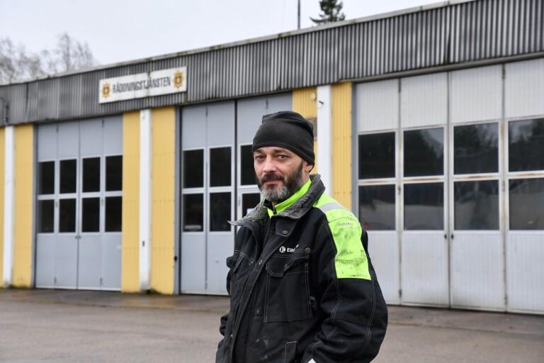 """Kvinnliga brandmän saknar omklädningsrum - """"stationen är i riktigt stort behov av en renovering"""""""