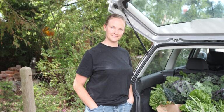 Sandra Lindell, är småskalig grönsaksodlare i Skegrie och säljer en stor del av det hon odlar genom att åka runt på olika reko-ringar i sydvästra Skåne.