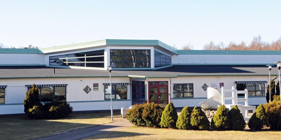 Det hänger ett nedläggningshot över Uppvidinge gymnasieskola i Åseda.