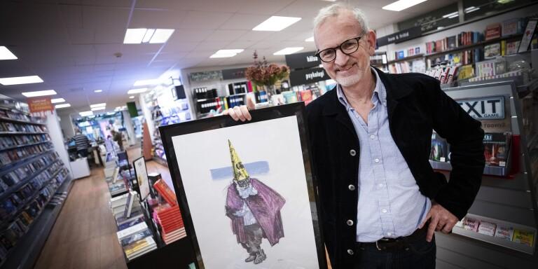 En litografi av lundakonstnären Per Sandberg, vän till familjen Löfberg, har Anders Löfberg köpt hem en upplaga av för att bli en del av det nya litteraturpriset de kommande tio åren.