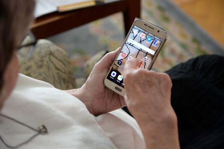 Det digitala utanförskapet drabbar de äldre