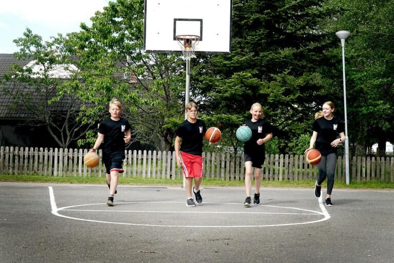 Här är basket en väg till gemenskap – mixade lag mer regel än undantag