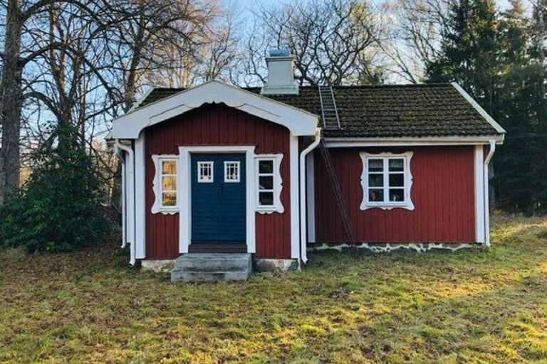 Ett rött torp med vita knutar – Sveriges hetaste fritidshus