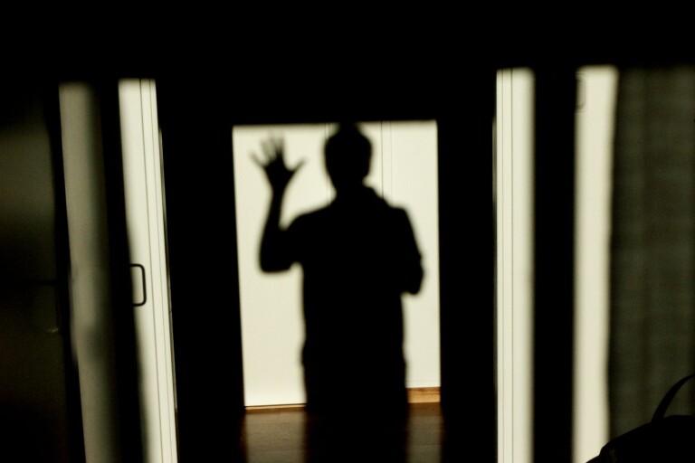 Man åtalas – ska ha brutit sig in i bostad och hotat kvinna