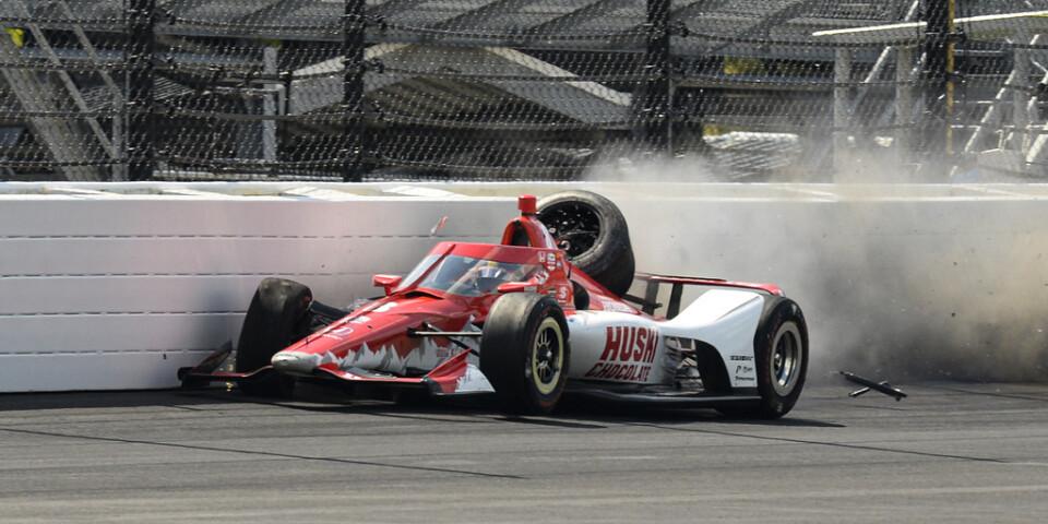 Indy 500 fick ett snöpligt slut för Marcus Ericsson.