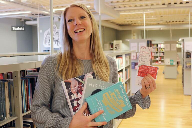 "Biblioteket har ""tjej-jour"" med bokpriser"