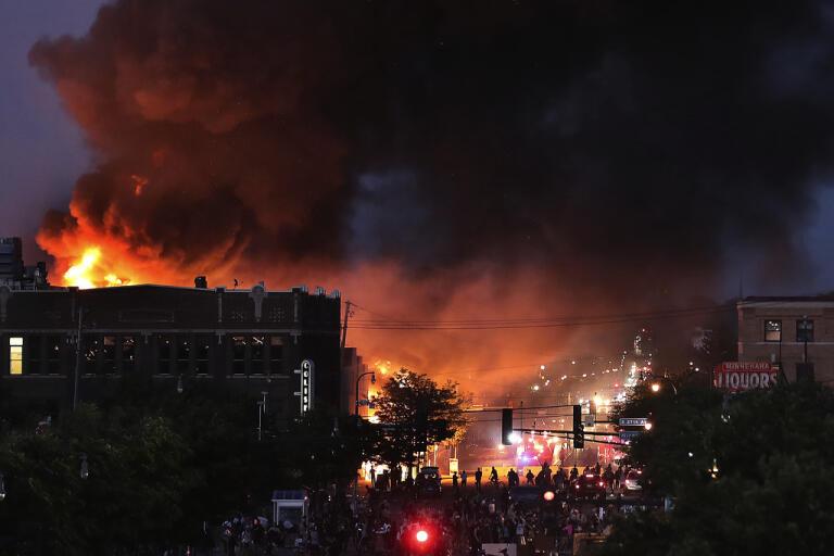 Bränder i Minneapolis under torsdagen.