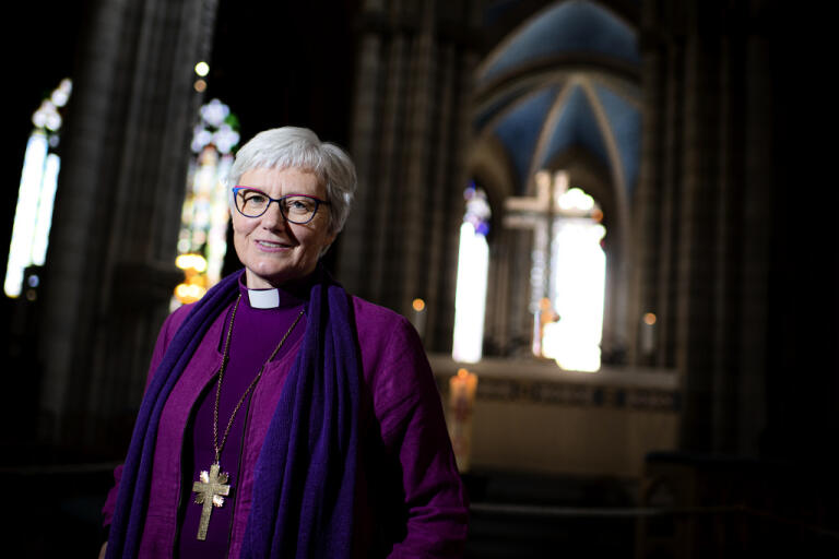 Antje Jackelén är Sveriges första kvinnliga ärkebiskop. Hennes eget intresse för kristendomen började när hon som tolvåring konfirmerades.