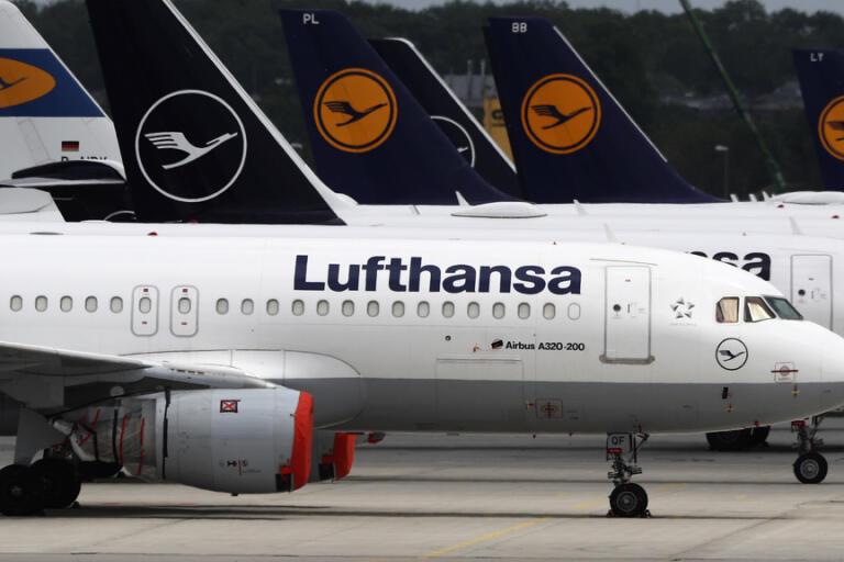 Tyska Lufthansa redovisar en nettoförlust på omkring 22 miljarder kronor för första kvartalet. Arkivbild.