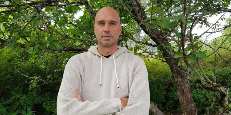 Jonas Waldestål: När Mohedabon hoppade av nattbussen i Lammhult