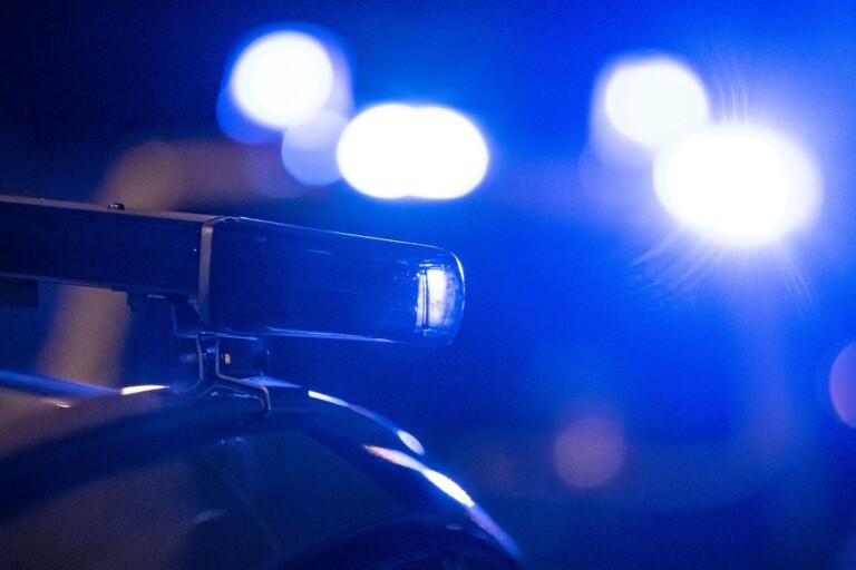 Rattfull förare stoppades av polis - hade kniv under sätet